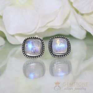 Moonstone Studs - Ravishing Moon